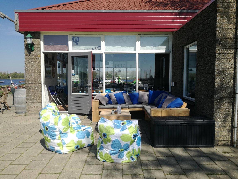 clubhuis-terras